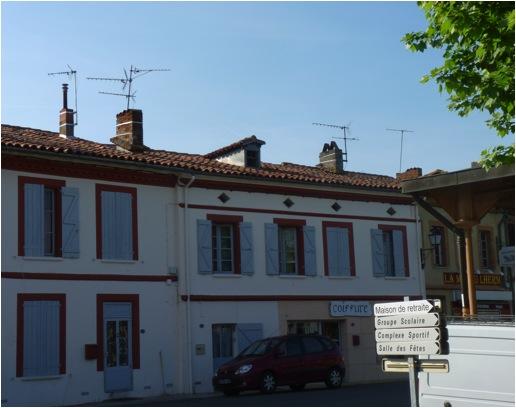 t3-independant-au-c-ur-du-village-du-lherm-31600-