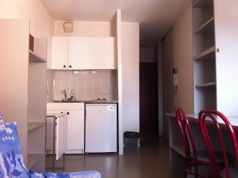 studio-meuble-residence-securisee-laverie-metro-tram