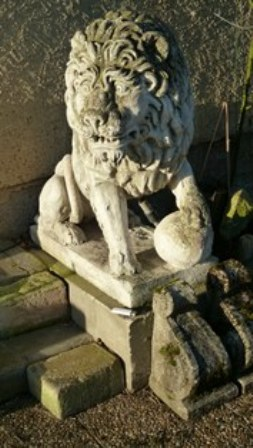 lion-en-pierre-