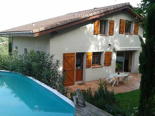 belle-maison-t4-avec-piscine