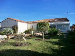 Au calme et proche commodités belle villa T4 avec jardin de 850 m²