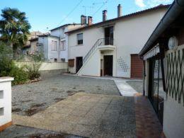 Secteur Boussens maison de ville avec garage de 50 m² et cour de 250 m²