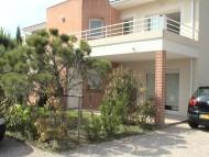 annonces.Toulouse-annuaire - Muret Superbe Appartement F3 Avec Garage, Parking Et Jardins Dans Petite Résidence Cloturée.